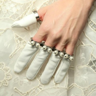 Alexander McQueen ring finger gloves? No comments